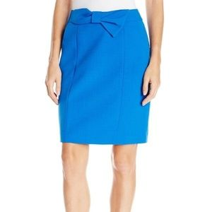 Anne Klein blue skirt with bow